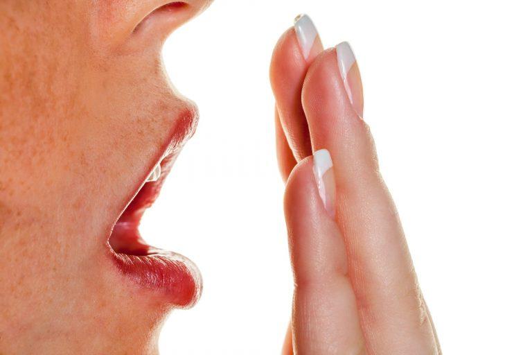 запах изо рта бактерии лечение